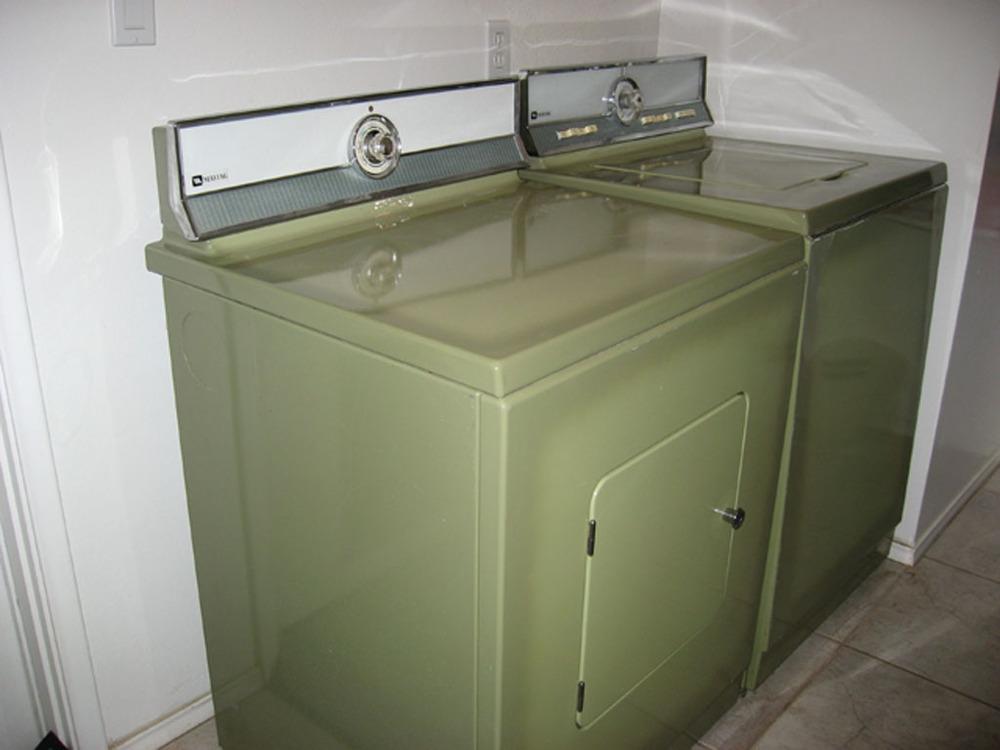 avocado green washer and dryer